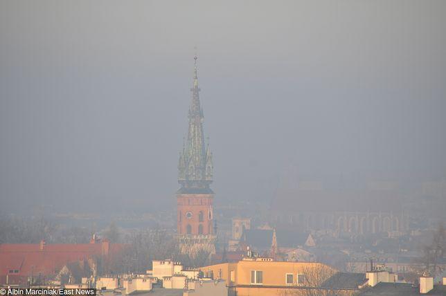 Kraków: smog w mieście, widok z Kopca Krakusa