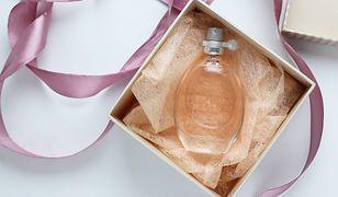 Podaruj odrobinę zmysłowej przyjemności. Perfumy na prezent do 200 zł