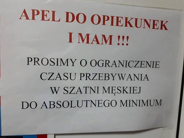 Taki napis pojawił się na pływalni pod Kielcami