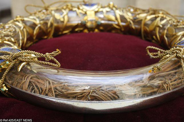 Korona cierniowa Jezusa. Podczas pożaru była w katedrze Notre-Dame