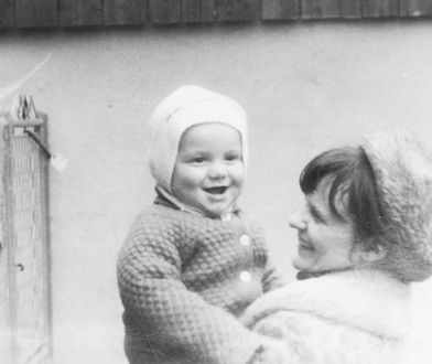 Dzień Matki 2020. Politycy umieszczają zdjęcia i życzenia dla mam