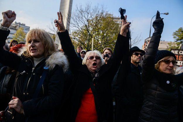 Trwa Ogólnopolski II Strajk Kobiet. Uczestnicy protestu wyjdą na ulice ponad stu polskich miast