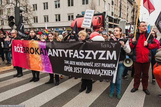 """Warszawa. Demonstracja antyfaszystowska """"Za Wolność Waszą i Naszą"""" na Placu Unii Lubelskiej, 11 listopada 2018 r."""