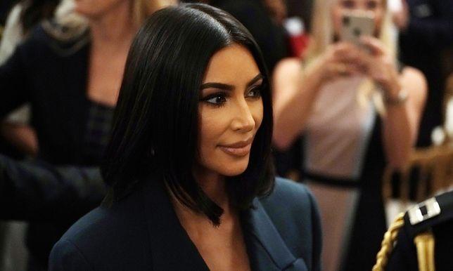 Nude Sukienka w stylu Kim Kardashian będzie hitem tej wiosny