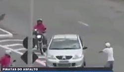 #dziejesiewmoto [225]: porywacze aut, mistrz parkowania i drogowi karatecy