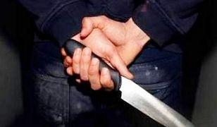 Obywatel Francji zaatakował nożem pracownika baru w Śródmieściu