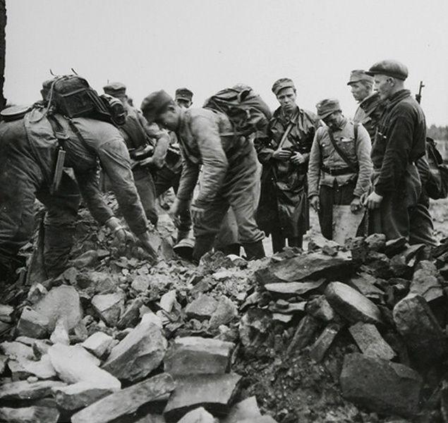 Virtuti Militari za dokonanie masakry w polskiej wsi Koniuchy