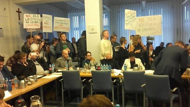 """Radni za budową m.in Nycz Tower w Śródmieściu. Mieszkańcy: """"hańba!"""""""