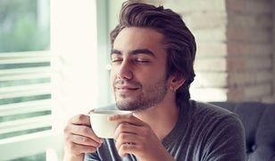 Nie pij kawy w tych godzinach. Naukowcy postrzegają