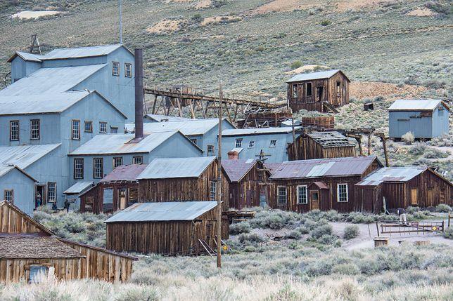 W Kalifornii lub w Montanie można spotkać wiele opuszczonych osad poszukiwaczy złota