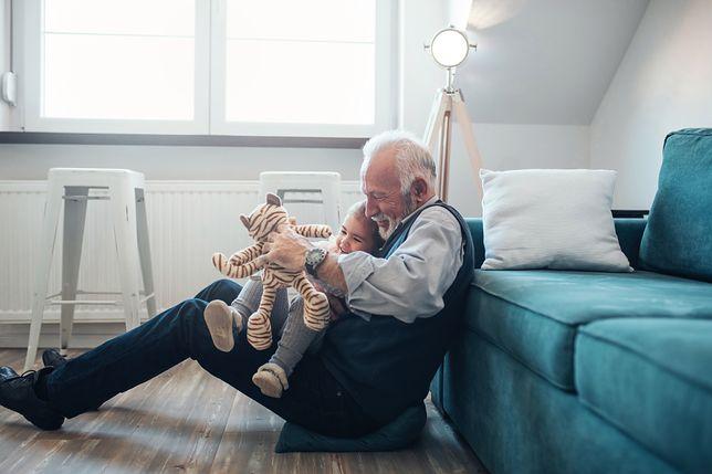 Dzień Dziadka – kiedy i dlaczego go obchodzimy? Jakie prezenty kupić na Dzień Dziadka?
