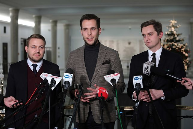 Jacek Ozdoba, Jan Kanthak i Sebastian Kaleta na wspólnej konferencji prasowej