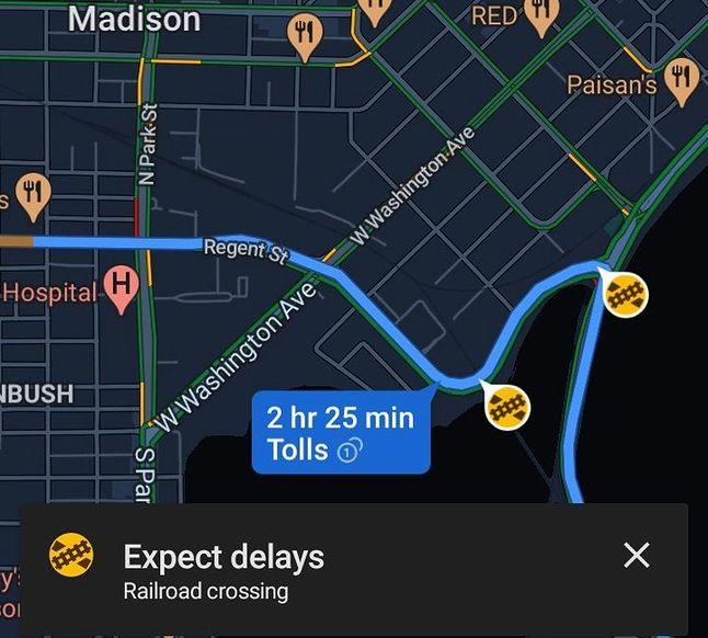 Ostrzeżenia o przejazdach kolejowych w Mapach Google, fot. SamsungGalaxyPlayer/reddit.