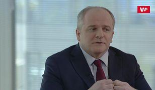 """Paweł Kowal w """"Racji Stanu"""": """"Nie chcę tego ostro komentować, ale dla mnie to jest nieprofesjonalne"""""""