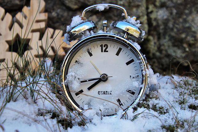 Zmiana czasu na zimowy 2019. Zegarki cofniemy w ostatni weekend października