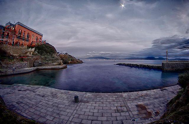 Przerażające miejsce w pobliżu Neapolu - Gaiola, Włochy