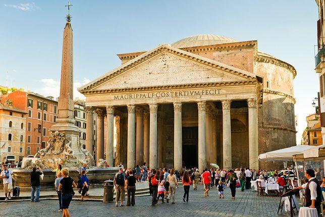 Panteon jest jednym z najchętniej odwiedzanych zabytków Rzymu