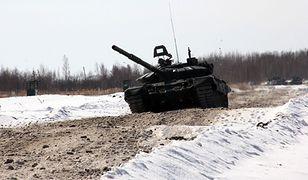 Tylko w bazach w Gusiewie może być 130 rosyjskich czołgów