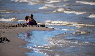 Zakaz kapieli na plaży w Gdański ze względu na wykwit sinic, 25.07.2019