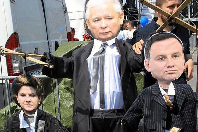 """Marionetki na """"Marszu Wolności"""""""