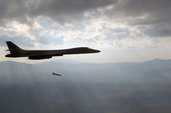 Przepłacamy kilkakrotnie za amerykańskie pociski JASSM? Cena odzwierciedla zawartość transakcji
