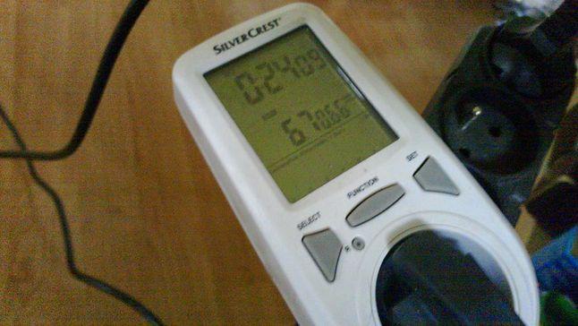 Pobór prądu podczas odczytu/zapisu (w stanie jałowym zasilacz bierze 2[W])