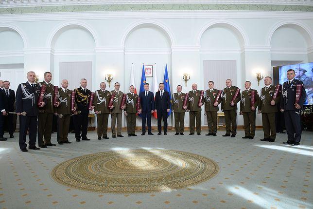 Prezydent Andrzej Duda wręczył nominacje. Armia ma 14 nowych generałów i 1 admirała