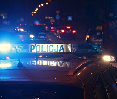 Wypadek na trasie S2. Wjechał w policyjny radiowóz. Dwóch funkcjonariuszy rannych