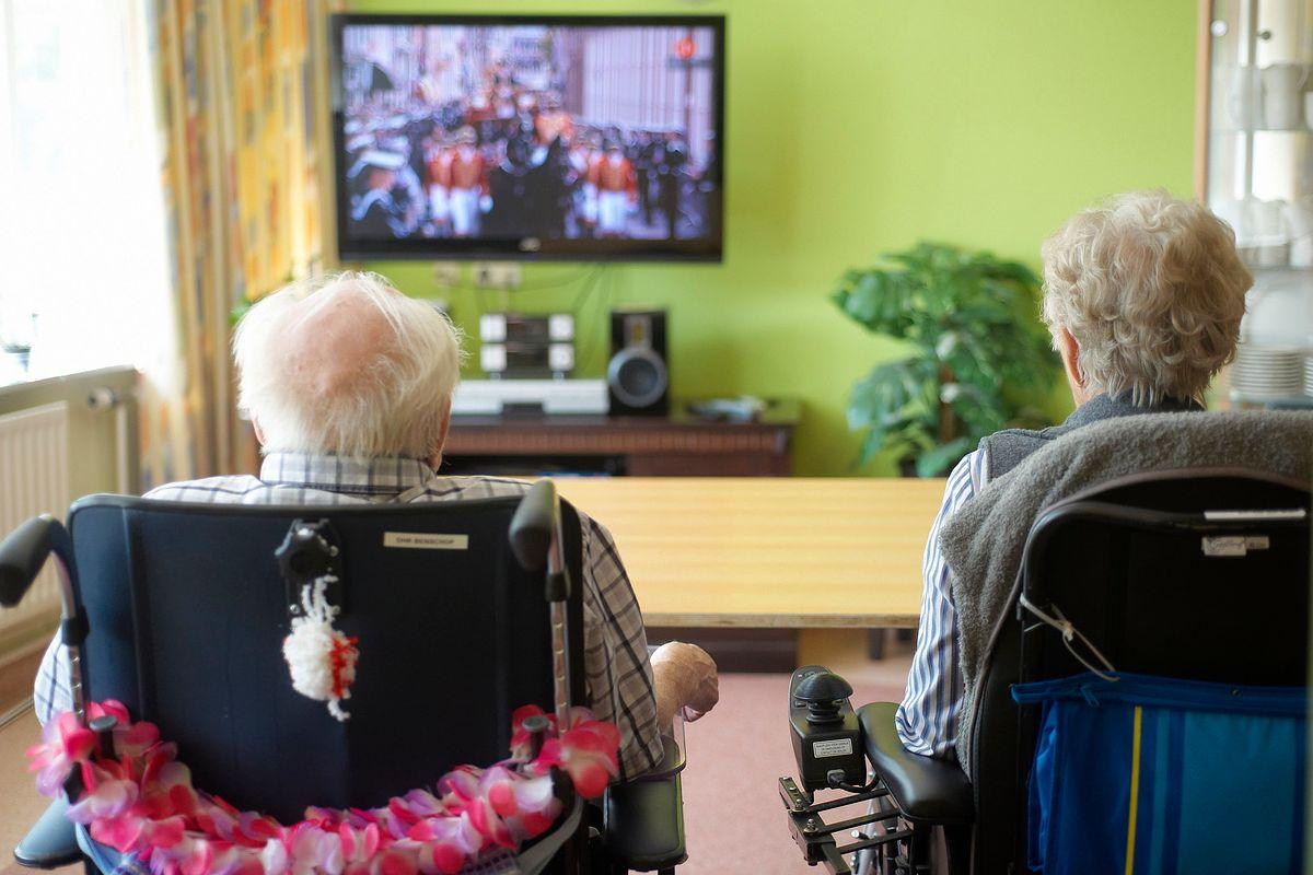 Przepisz kablówkę na babcię. Czy najnowszy pomysł na uniknięcie abonamentu RTV będzie skuteczny?