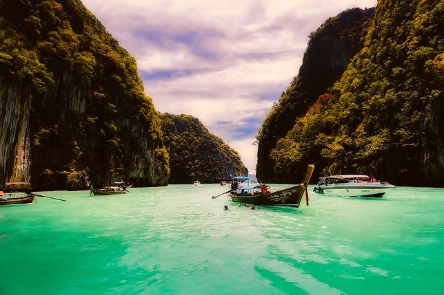 Tajlandia urzeka kuchnią, lokalnym klimatem i pięknymi widokami.