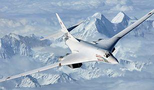 Tu-160 to odrzutowy ponaddźwiękowy bombowiec strategiczny o zmiennej geometrii skrzydeł