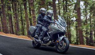 Debiutuje Honda NT1100, czyli siostra modelu Africa Twin na autostrady i kręte górskie drogi