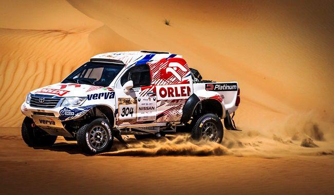 Mocna ekipa Polaków na Abu Dhabi Desert Challenge