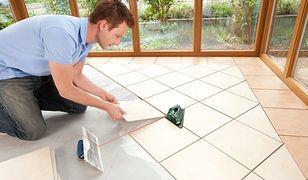 Układanie płytek na podłodze - bez fugi czy z fugą?