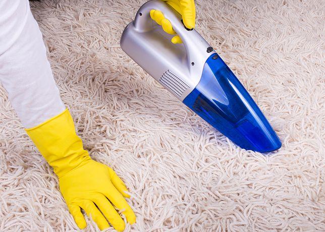 Odkurzacze ręczne pomagają w sprzątaniu trudno dostępnych zakamarków