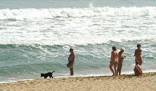 Plaża nudystów - kto z niej korzysta?