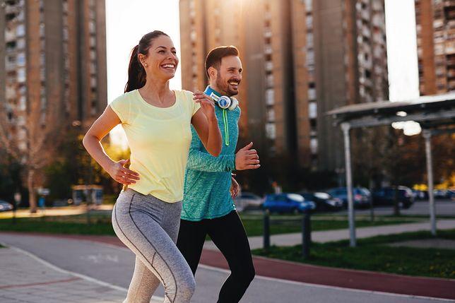 Bieganie idzie w parze z odchudzaniem, o ile jest poparte jest odpowiednią dietą.
