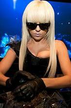 Lady Gaga i LeToya Luckett w biografii Dionne Warwick