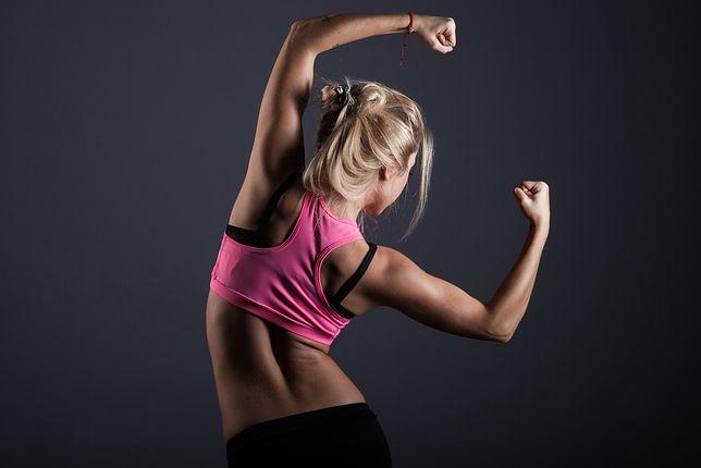 Ćwiczenia na drążku. Idealna aktywność dla kobiet