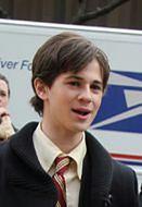 """""""Plotkara"""": Connor Paolo w obronie Taylor Momsen"""