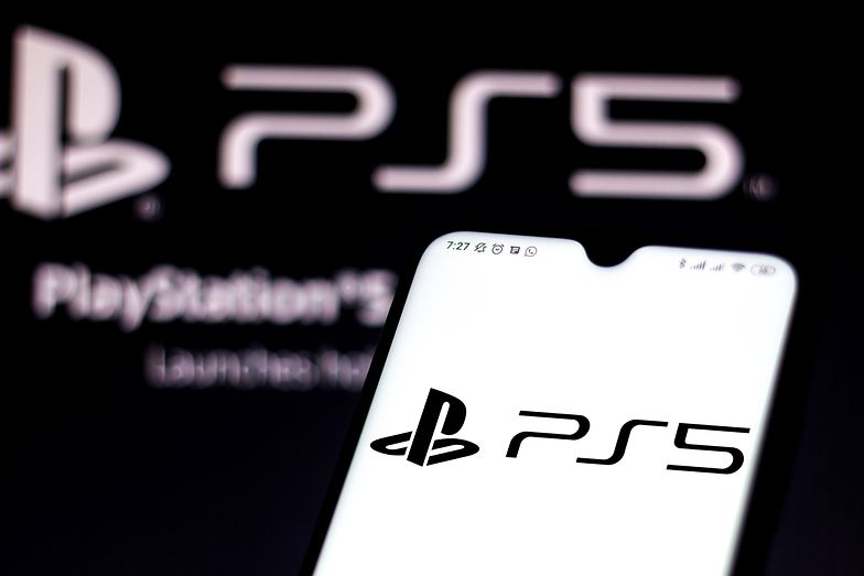 PlayStation 5 będzie potrzebowała dużo miejsca na półce. Rozmiary konsoli robią wrażenie