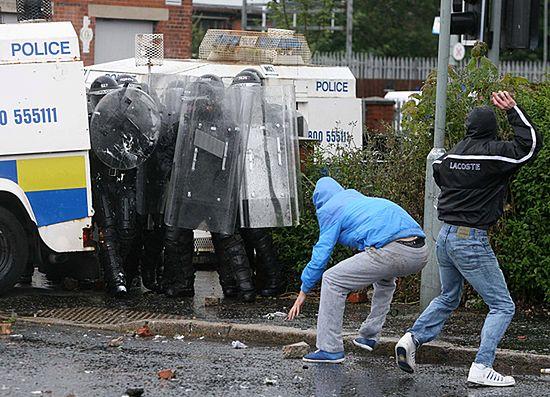 IRA wywołała krwawe zamieszki w Belfaście
