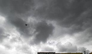 Prognoza pogody na dziś - 23 października. Pochmurno i deszczowo. Uwaga na silny wiatr
