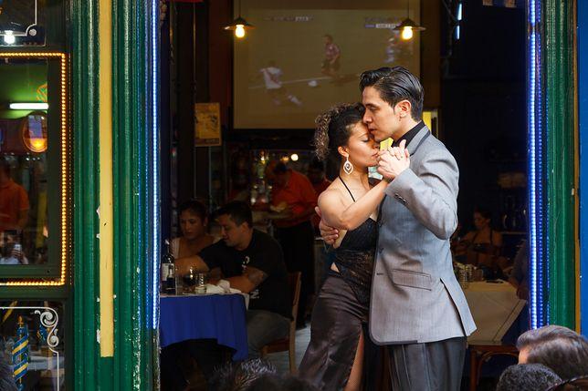 Argentyna - jeden z największych krajów Ameryki Południowej. Jej symbolem jest tango, ale to także ogromna liczba cudów natury.