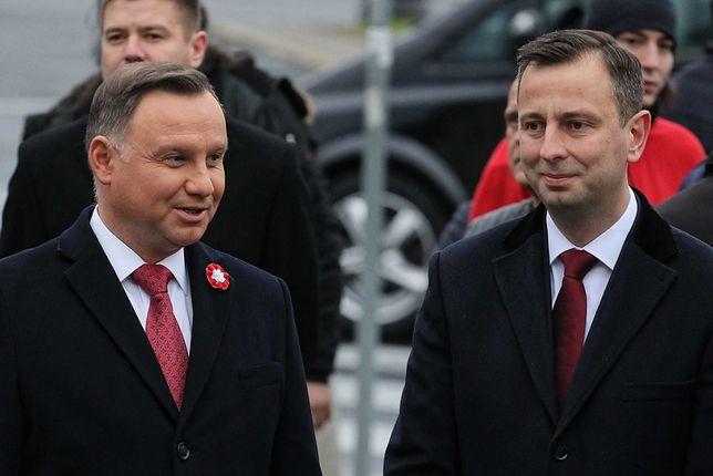 Wybory prezydenckie 2020. Andrzej Duda i Władysław Kosiniak Kamysz przed pomnikiem W. Witosa