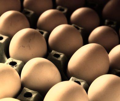 Salmonella w jajach z popularnej sieci. Sprawdź, czy nie masz w domu