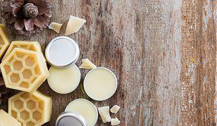 Wosk jest popularnym składnikiem kosmetyków