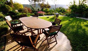 Jakie meble wybrać na taras, a jakie do ogrodu?