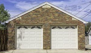 Garaż blaszany, murowany czy drewniany? Wybierz rozwiązanie dla siebie