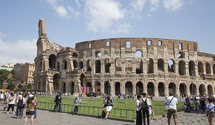 Polak spadł z wysokości na Forum Romanum, znajdującym się nieopodal rzymskiego Koloseum